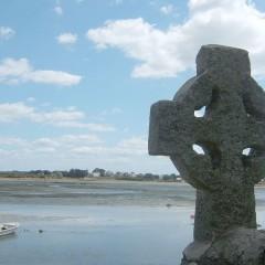 St Cado la croix celtique